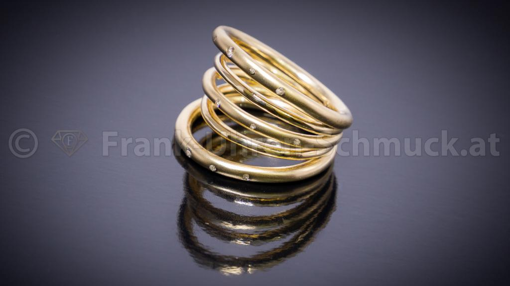 Flowerring mit Brillant in 14K Gelbgold
